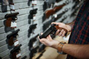 age to buy a gun
